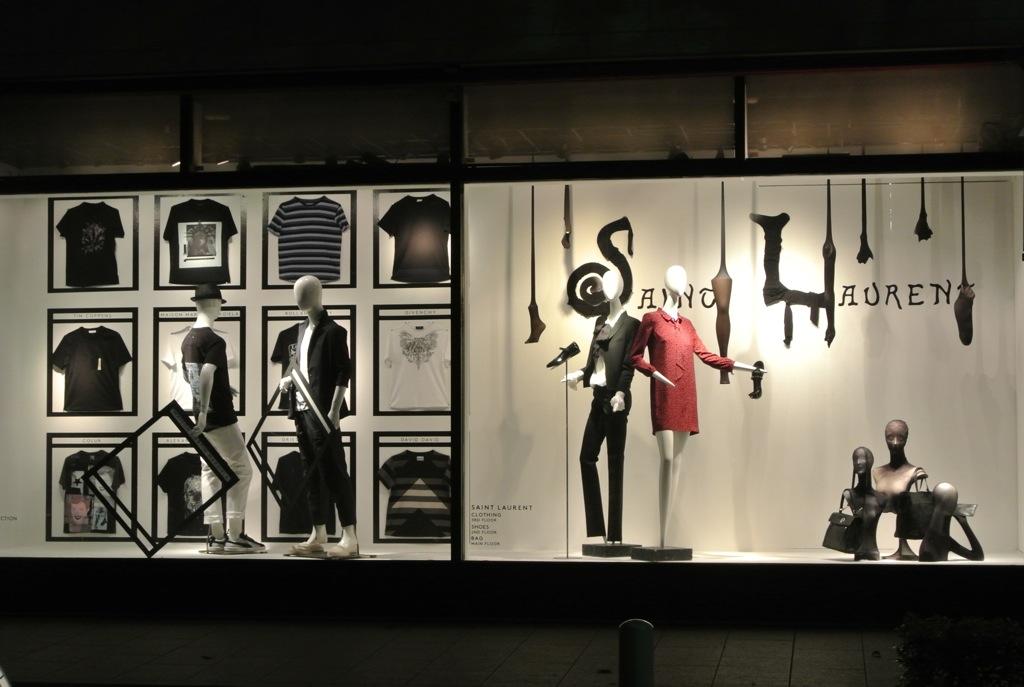 バーニーズニューヨーク、ディスプレイ、横浜中華街、ファッション