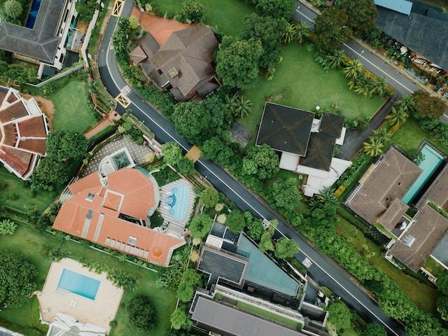 高台、お屋敷、最上階マニア、お金持ち、高いところに住む