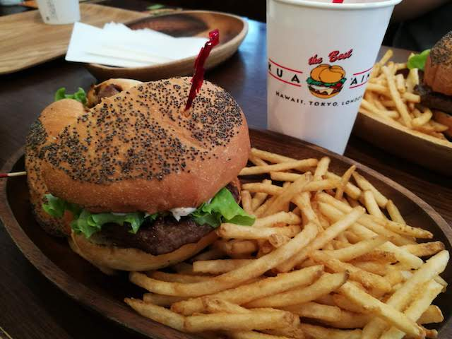 日本で食べる、本場ハワイ、バーガー、クア・アイナ、五反田