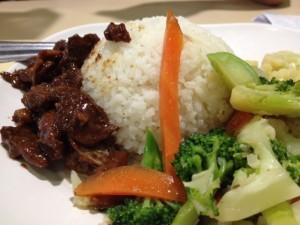 ポピュラーなタイの屋台料理、安全、美味しい、フードコート