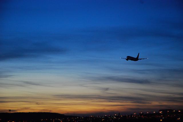 全日空、日本航空、Wi-Fiサービス、飛行機内でインターネットが使える