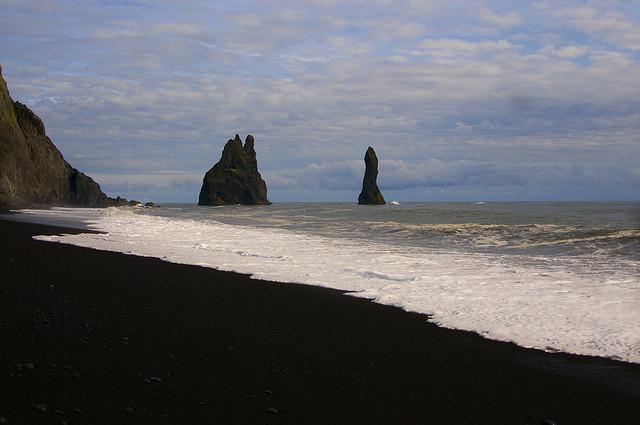 一生に一度は訪れたい、神秘的なビーチ