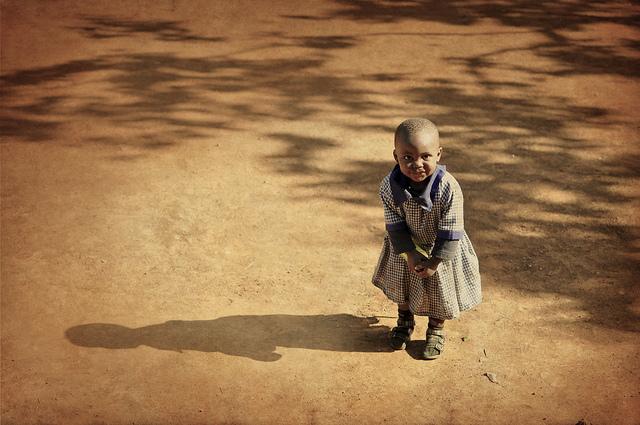 減らない、エイズ感染、アフリカ、女性、子供、苦しむ