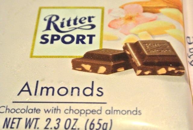 ドイツ、リッタースポーツ、春限定商品、アーモンド、滑らかなミルクチョコレート