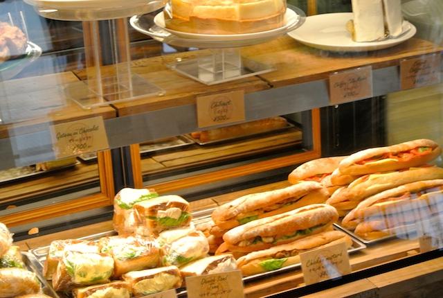 コナを使った、大人のパンケーキ、ボリューム、健康食、アサイー、ホノルルコーヒー