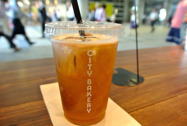 ニューヨーカー御用達、老舗ベーカリー、ザ・シティー・ベーカリー、日本上陸、コーヒーとチェリーパイ最高に美味しい