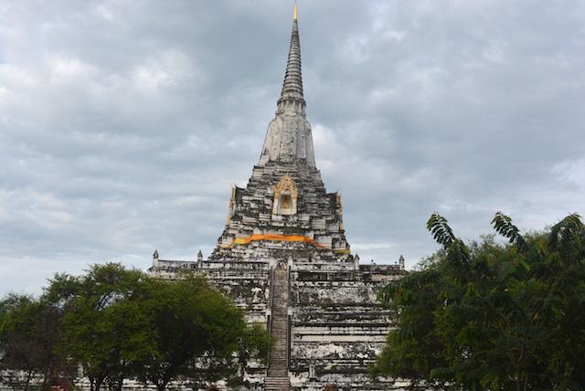 個人旅行、タイ、アユタヤ、朝、トゥクトゥクをチャーター、入場無料、絶景