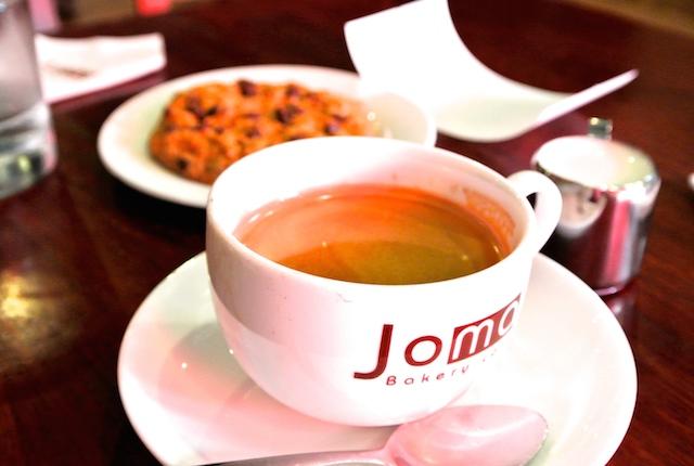 ラオスとベトナムに支店、ジョマ・ベーカリーカフェ、外国人に人気、お洒落カフェ