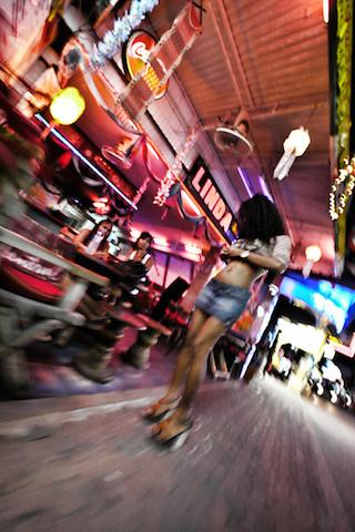 世界最大のセックスリゾート、パタヤビーチ、混沌、タイの性事情