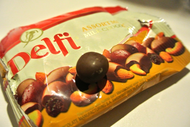 デルフィ、フルーツナッツアソート、スイス、ミルクチョコレート、得意