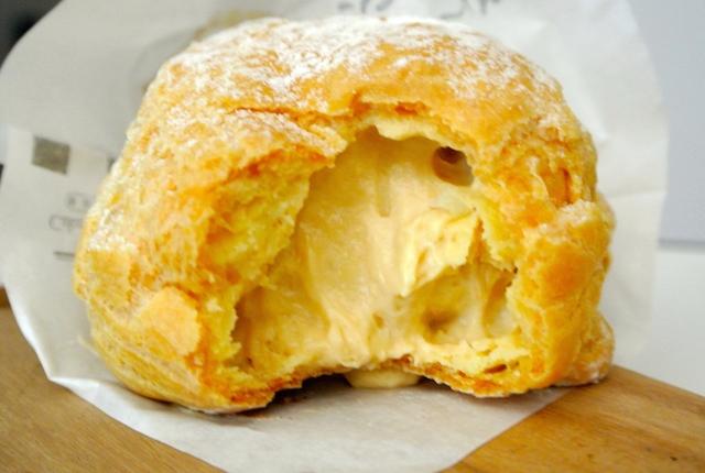 ベイクアウィッシュ、日本自家製ケーキ、塩バターキャラメルシュークリーム