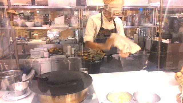 タイの地方料理が食べられるフードコート、セントラルエンバシー