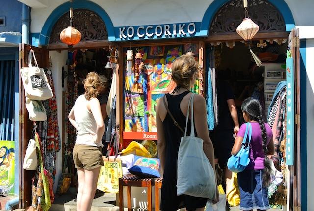 タイムスリップ、スリランカ、ゴール要塞都市、アートショップ、お洒落なカフェ
