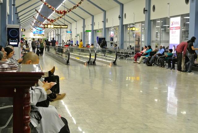 スリランカで航空券を買う、スリランカ航空チケットオフィス、コロンボ、キャンディ