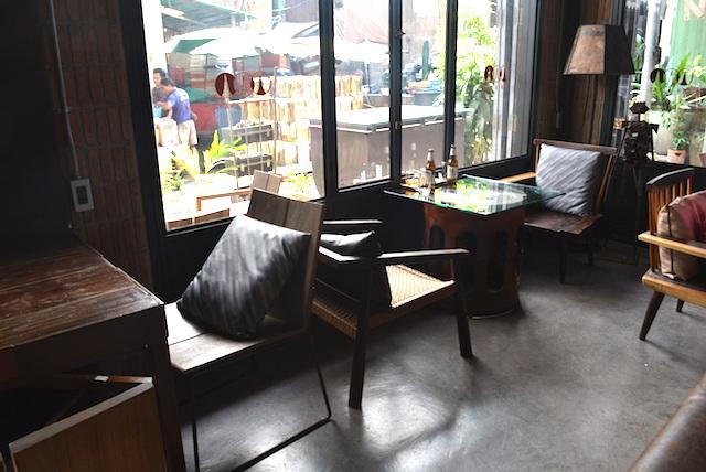 ワットアルンが見えるブティックホテル&レストラン、インアデイ、工場を改装、お洒落、隠れ家