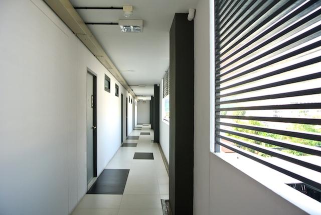 コラート、エバー9、デザイナーズ、サービスアパートメント、マーケット、駅近い、便利