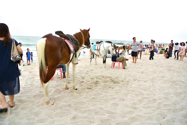 ラグジュアリー、庶民派、タイのビーチリゾート、ホアヒン、散策
