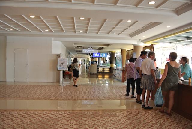 バンコクで50年間続く、フラワーマーケット、新観光名所、ヨートピーマン・リバーウォーク、散策