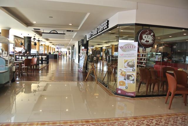 タイのカフェチェーン、94コーヒー、チャオプラヤ川、ヨードピーマンリバーウォーク、入店