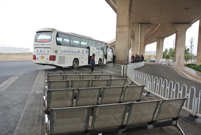 昆明国際空港から西バスターミナ、大理古城、高速バス、行き方