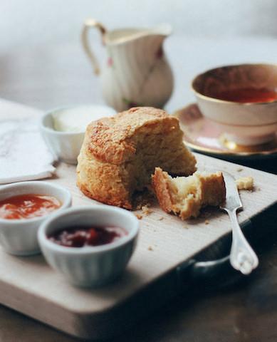 アフタヌーンティーの習慣、英国、パンの歴史、パンの種類