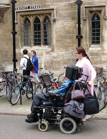 映画、博士と彼女のセオリー、イギリスの天才物理学者、スティーヴン・ホーキング博士、心が動かされる