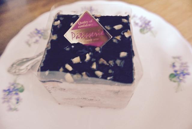 X'masもお正月終わり、今注目、最新のセブンイレブンのスイーツ、コーヒー香るチョコケーキ