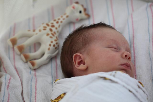 オーガニックコットンのおくるみ、エイデンアンドアネイ、赤ちゃんとママに喜ばれるギフト