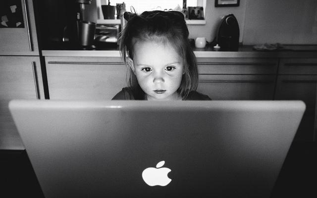 海外セレブ、愛用、おしゃれなベビーブランド、便利、育児サイト