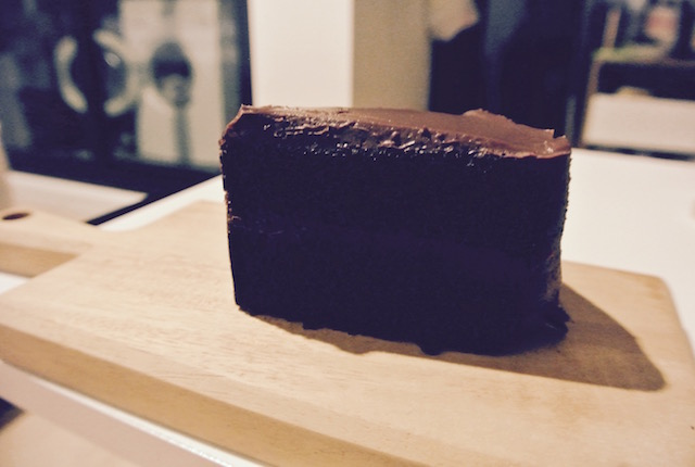 セブンイレブン、タイ、新しいスイーツ、クラシック チョコレート ケーキ