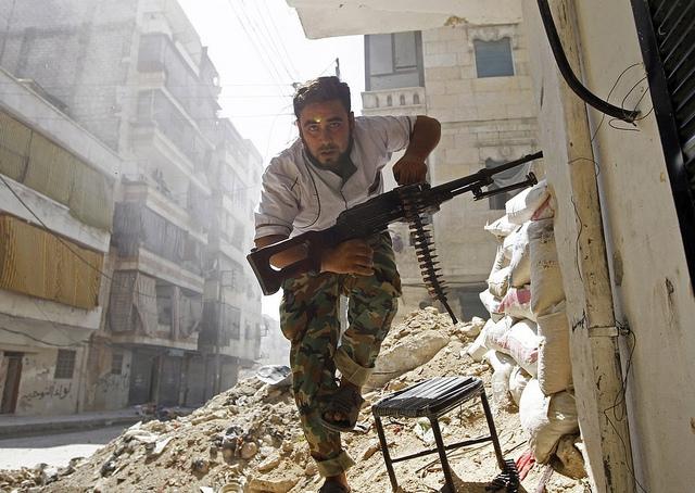 墓場、シリア、アレッポ、世界人道デー、改めて考える