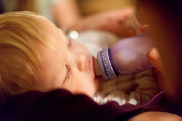 日本、赤ちゃん、液体ミルク、利用できる日、くる