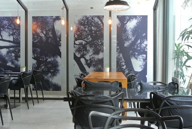 ホテルヘリテージバンコク、隣、オープンテラス、アルファベットカフェ&バー