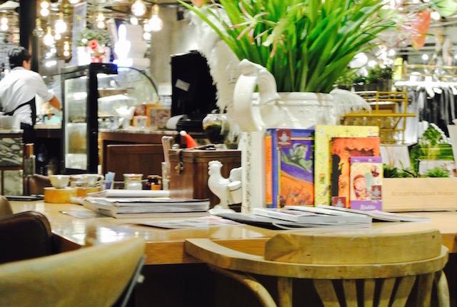 食後のお茶、ザ・スリーウィッシャーズ、カフェ&ティールーム、セントラルチットロム