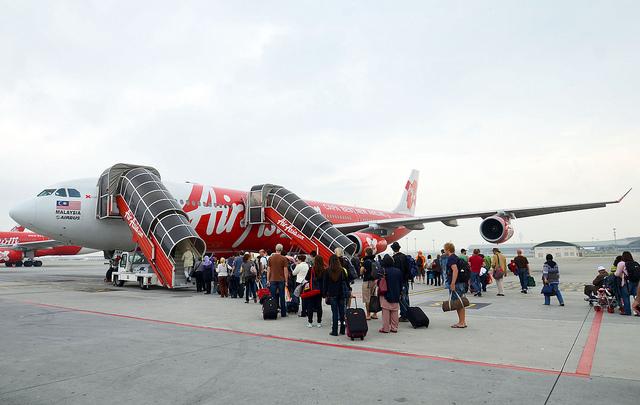 格安航空会社、エアアジア、初、米国、フライト、スタート