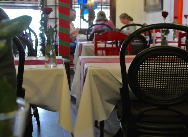 ホイアン、お勧めレストラン、カーゴクラブ、味、サービス、ロケーション、良し
