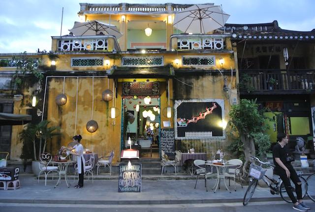 トゥボン川、リバーサイドレストラン、グォックチュエット