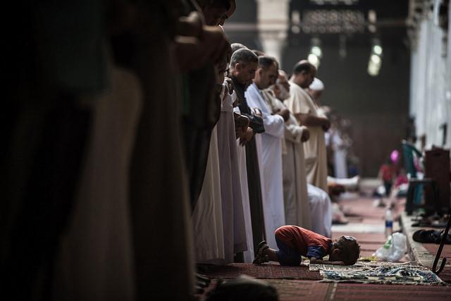 世界の宗教、最も急速、信者、増える、イスラム教