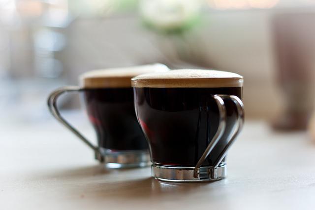 自宅で淹れる、コーヒー、至福、一杯、今日が始まる