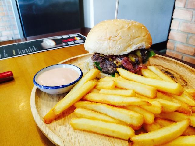 乾燥熟成肉、アノーズブッチャー、バーガー専門店、チョンノンシー、開店