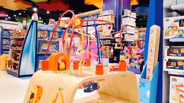 子供、遊べる、穴場スポット、セントラルチットロム、おもちゃ売り場