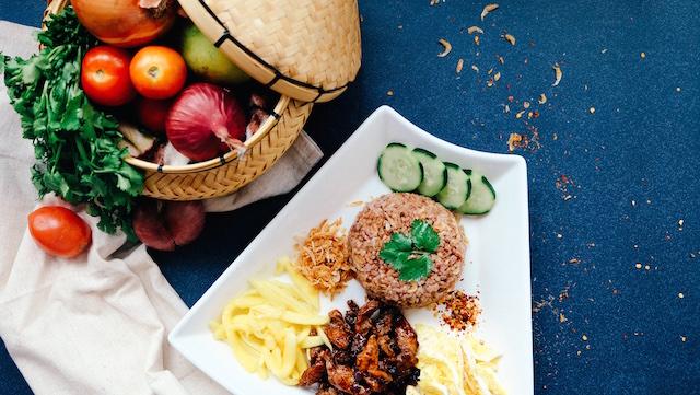 タイ、イサーン料理、ソムタム、食べる、メディカルフルーツ