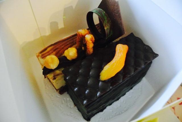 デュシタニホテル、20時過ぎ、ケーキ、全品半額
