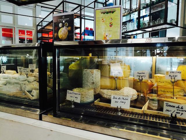 美味しい、パンだけじゃない、フランス産チーズ、バター、舌鼓、アマンティ