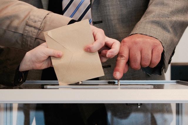 OL、選挙、スピーチライター、本日はお日柄もよく、原田マハ