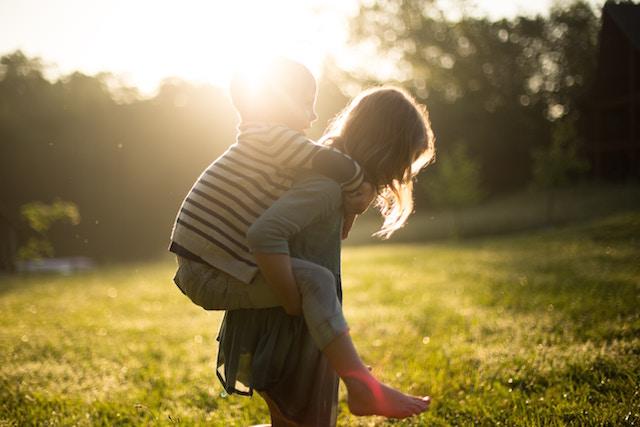 子どもの数、幸福度、倍増、少子化、食い止める