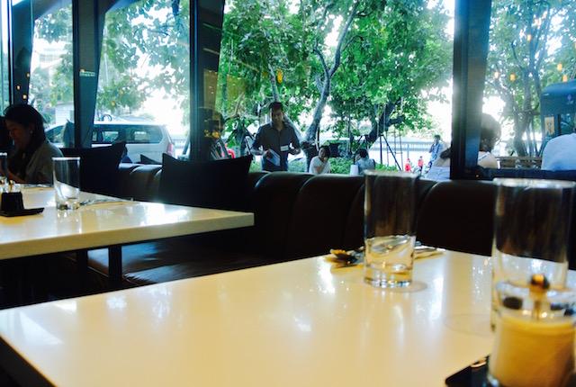 プロンポン、お洒落すぎ、カフェ&ダイナー、ディ・アーク