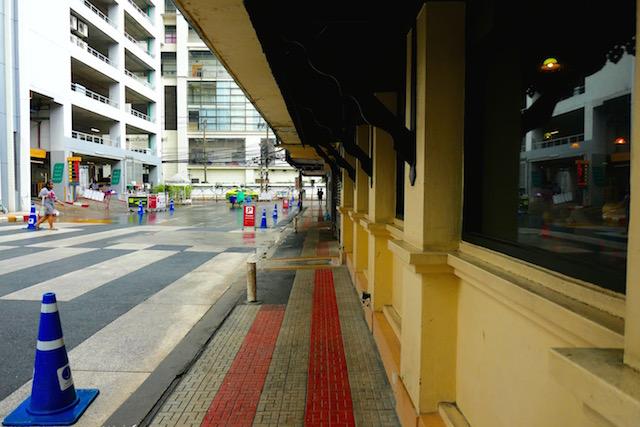 第4弾動物カフェ、サイアム駅近、ドックカフェ、ホップス