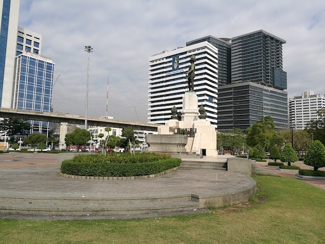 観光、アクティビティー、デート、バンコク、ルンピニー公園