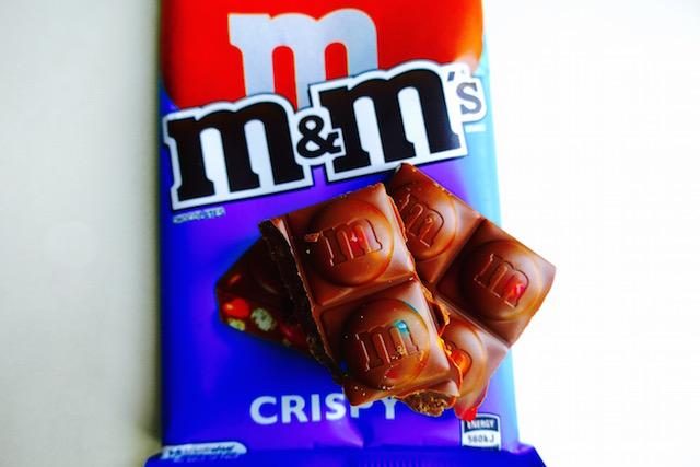 タイで見つけた、エムアンドエムズ、タブレット、チョコレート